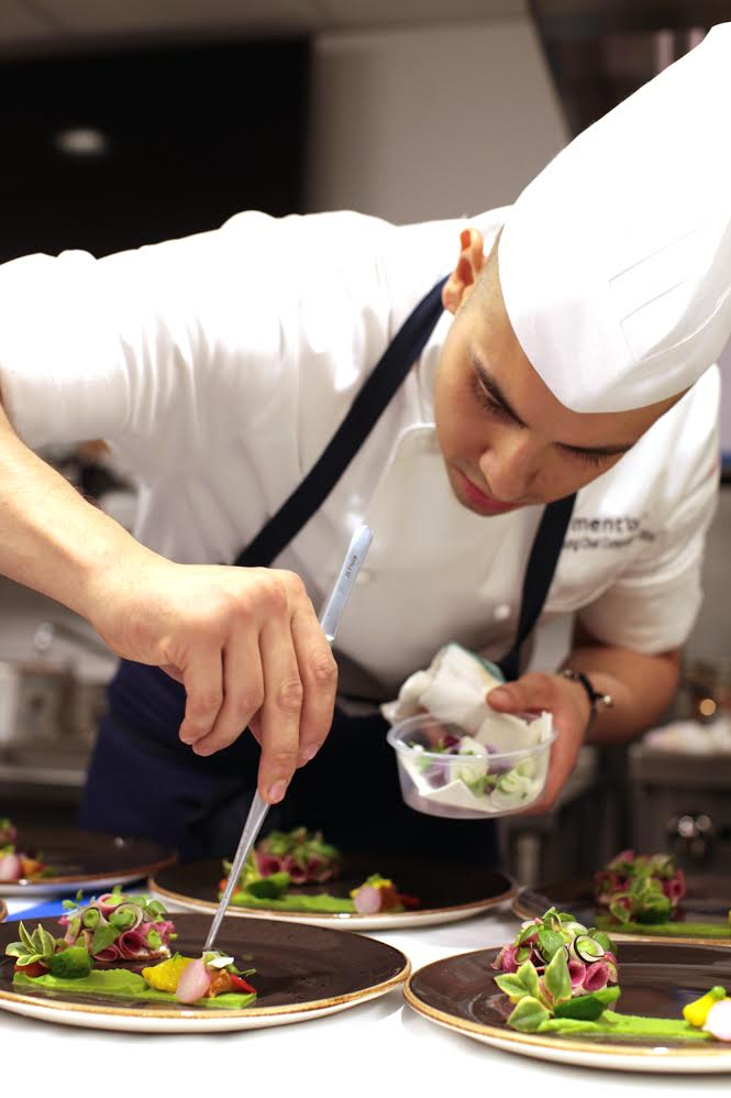 Cesar Gutierrez - Young Chefs Ment'or Competition